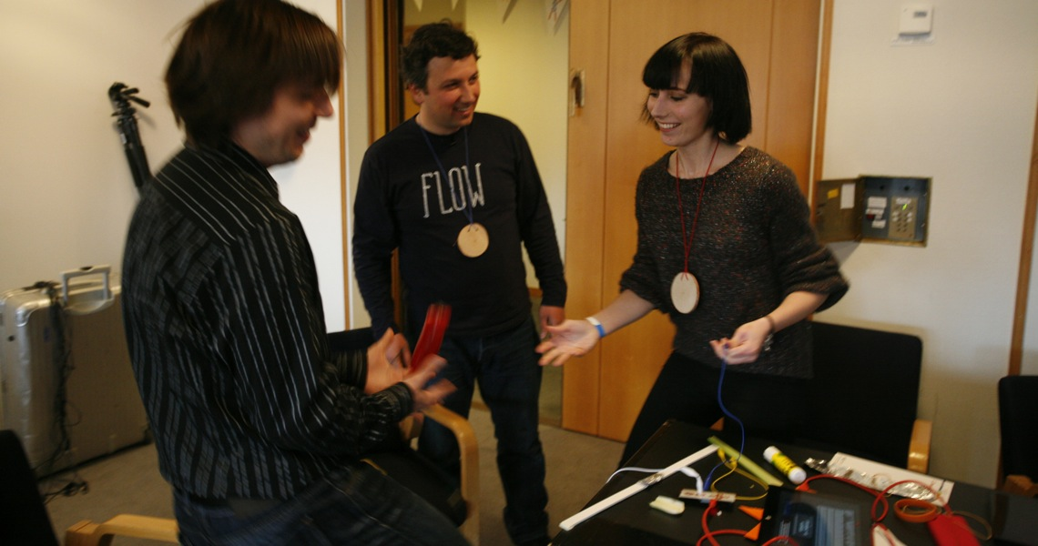 Participants hacked single-player games to foster collaboration, Flow Athens workshop